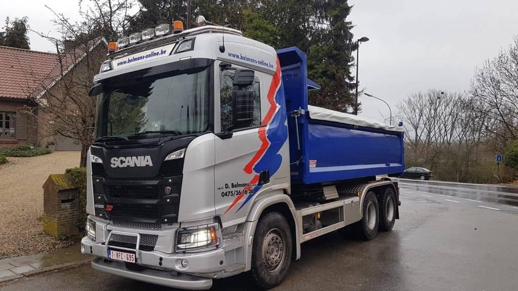 Vrachtwagen 6X4 container Scania R 500
