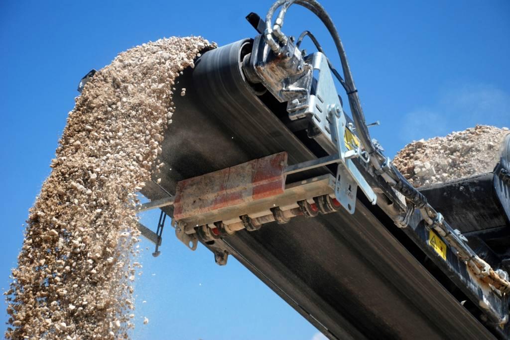 Belmans Recycling - Services - Broyage de pierres